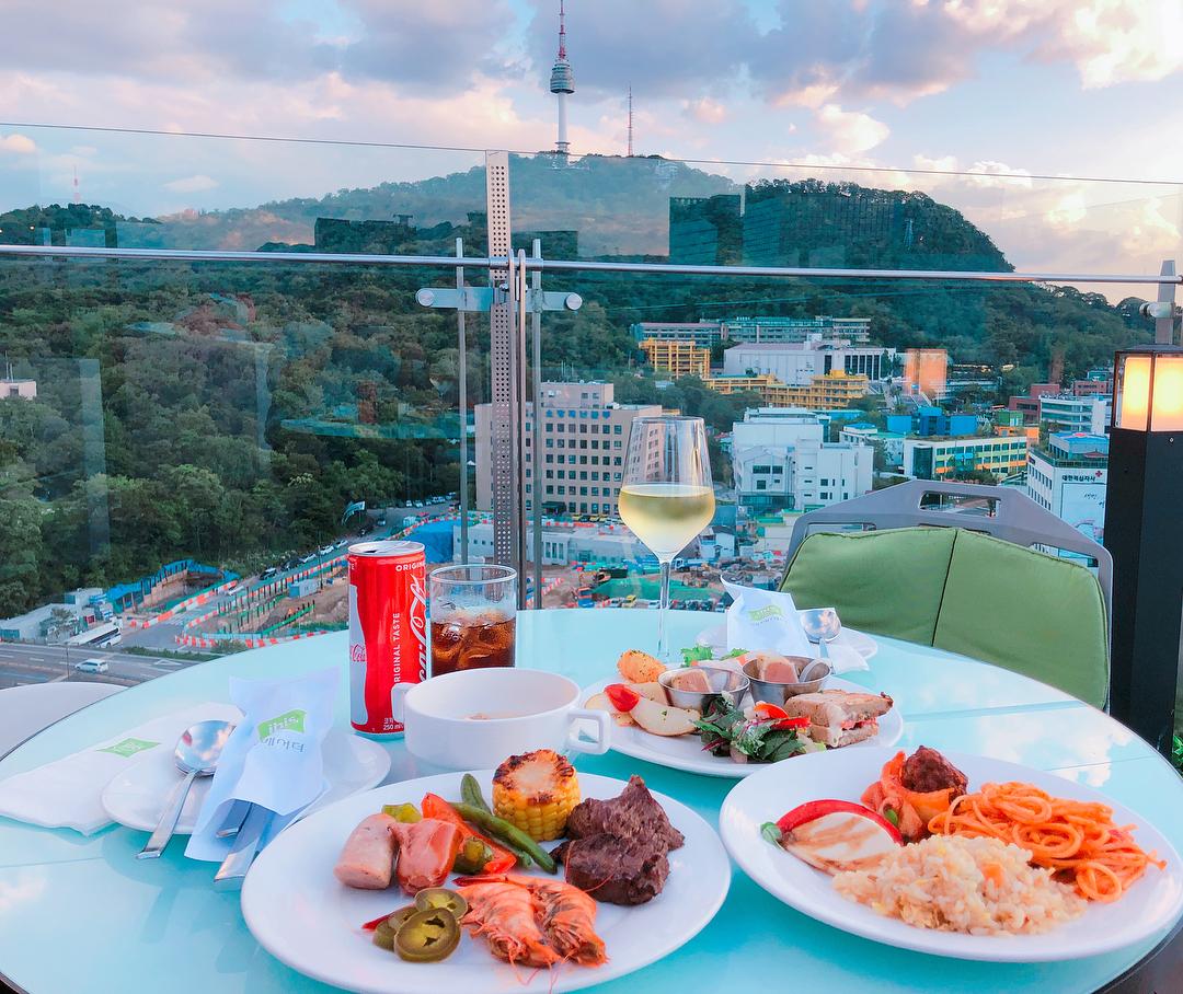 Seoul Restaurants view Korea - Le Style Restaurant Bar food