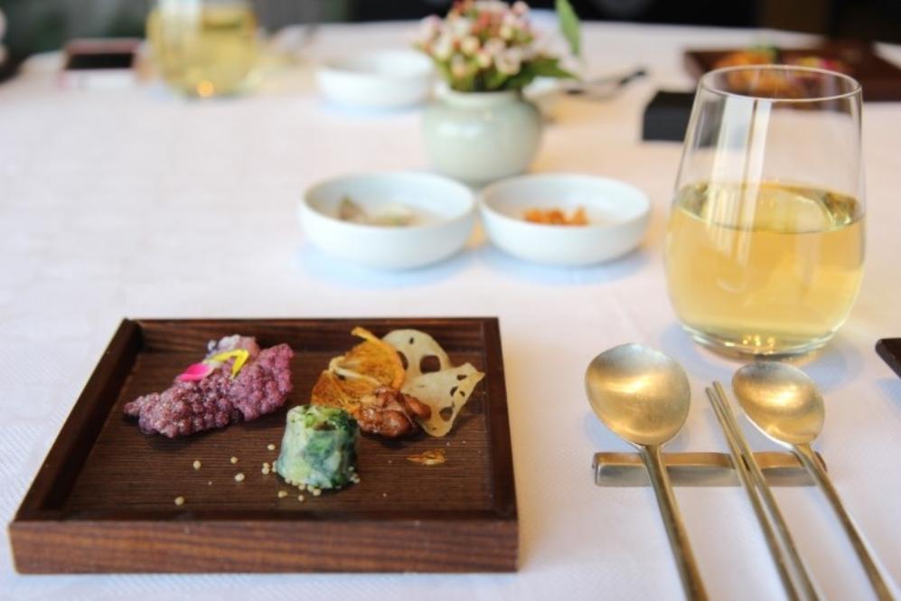 Seoul Restaurants view Korea - mugunghwa food menu course meal