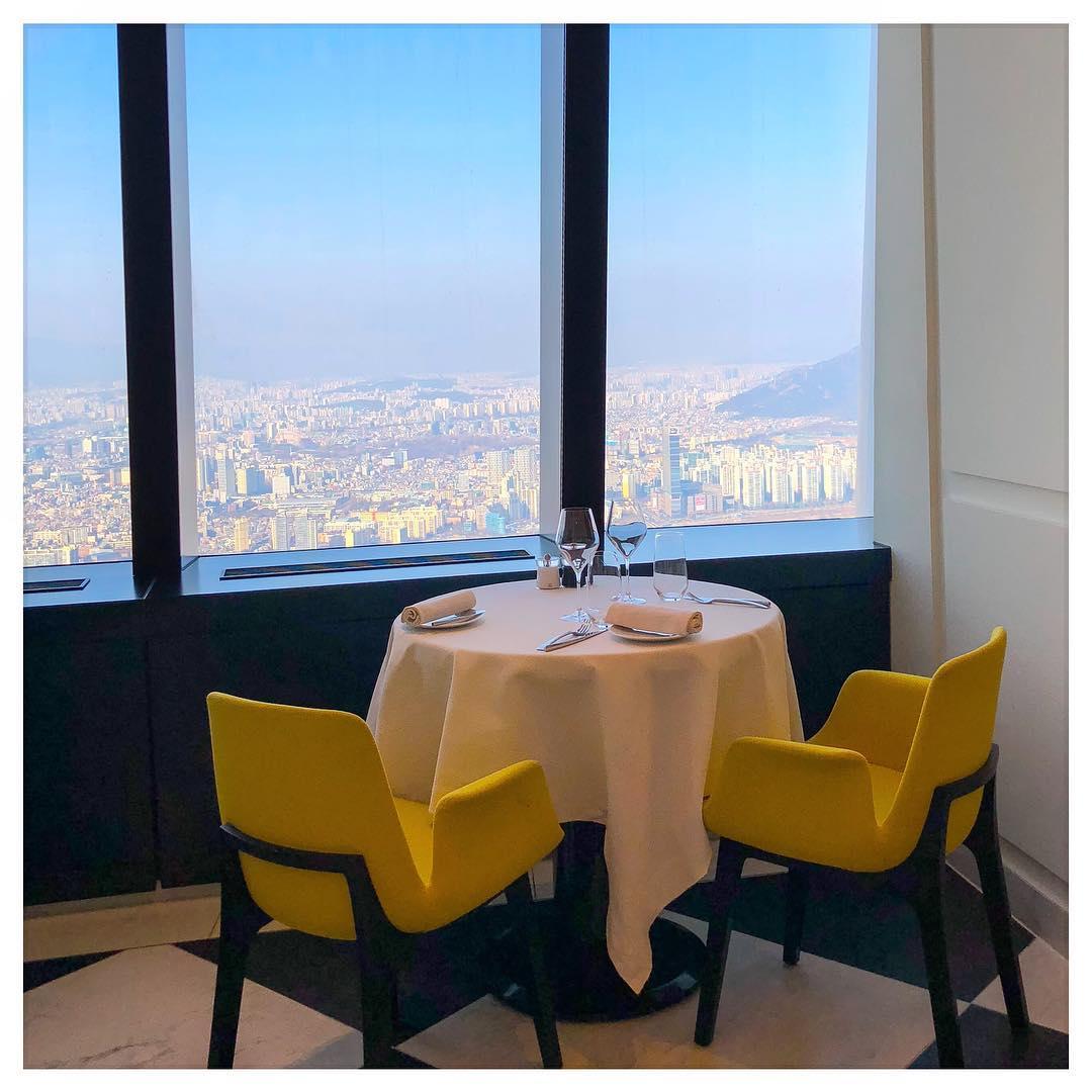 Seoul Restaurants view Korea - stay french window seat