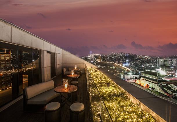 Seoul Restaurants view Korea - the griffin rooftop bar restaurant
