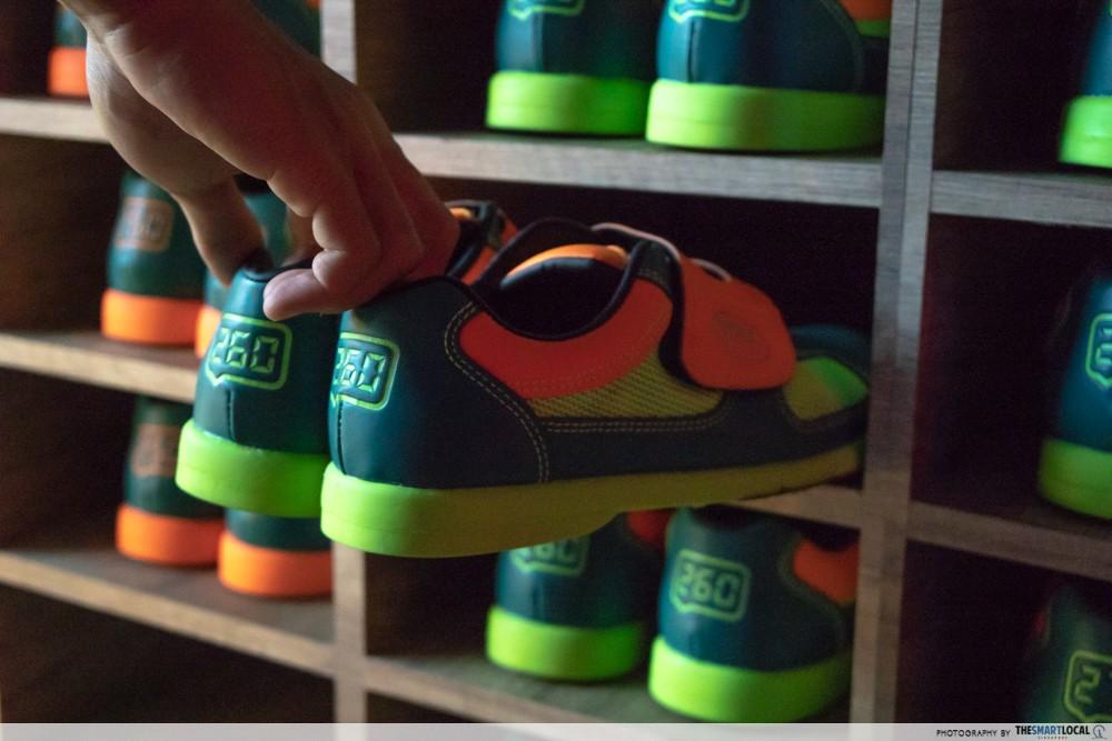 k bowling club shoes