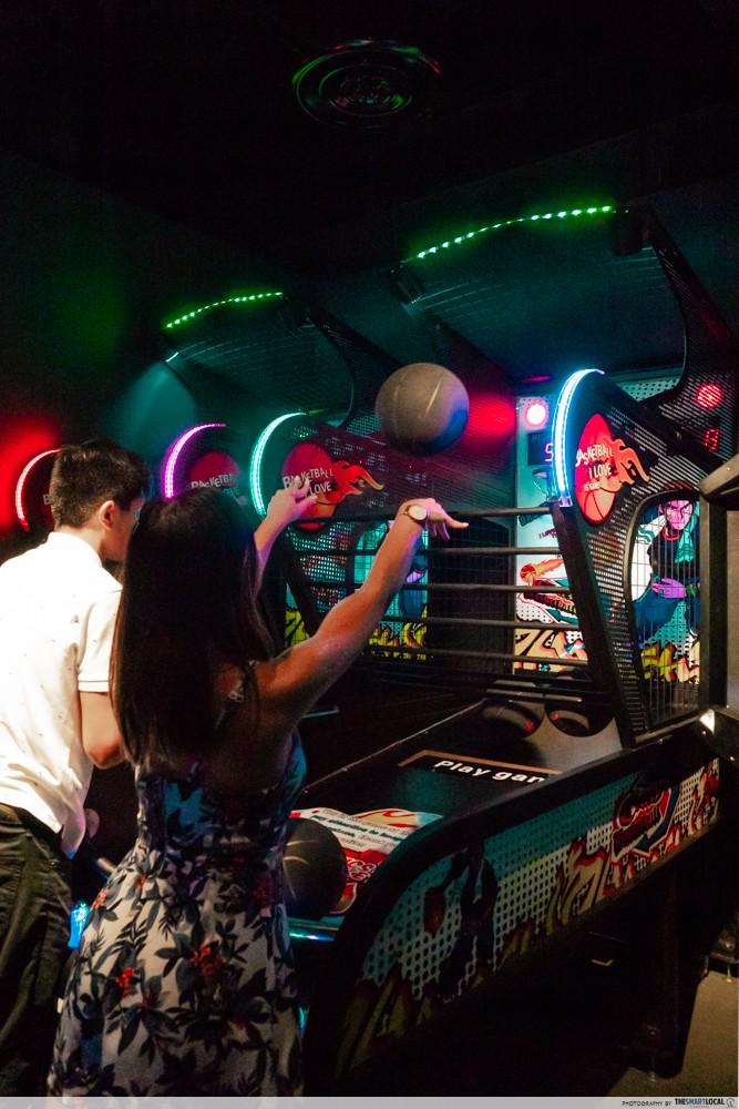 k bowling club basketball game arcade