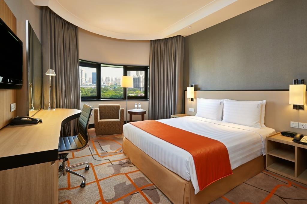 holiday inn deluxe room