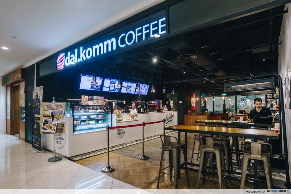 dal.komm coffee establishment
