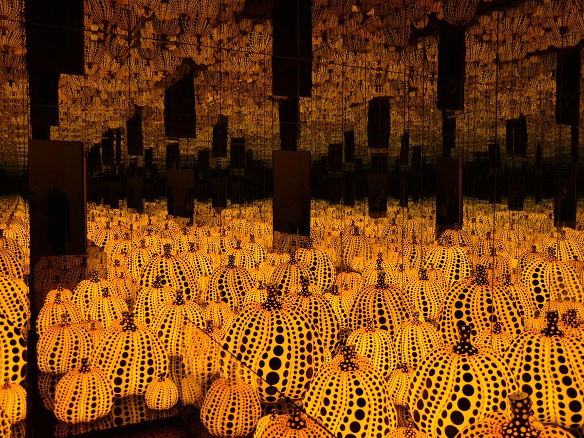 Nagano kamokochi matsumoto guide - yayoi kusama yellow pumpkin spot
