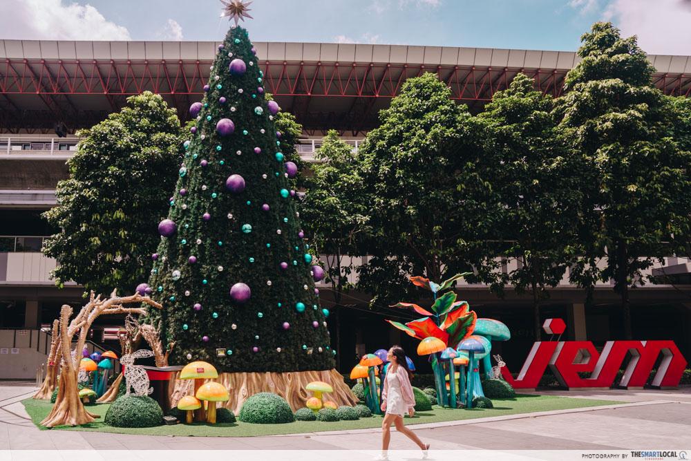 JEM wonderland themed christmas 2018 - decoration mrt