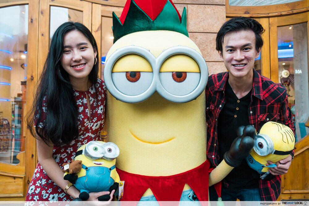 minion couple shot