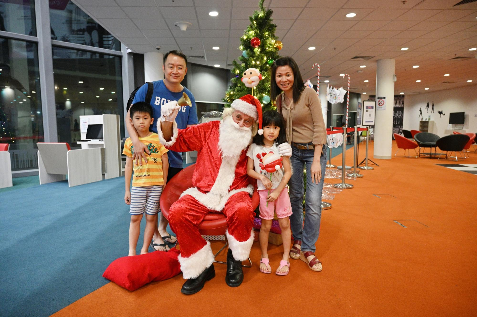 Singapore Sports Hub season of giving - santa meet greet