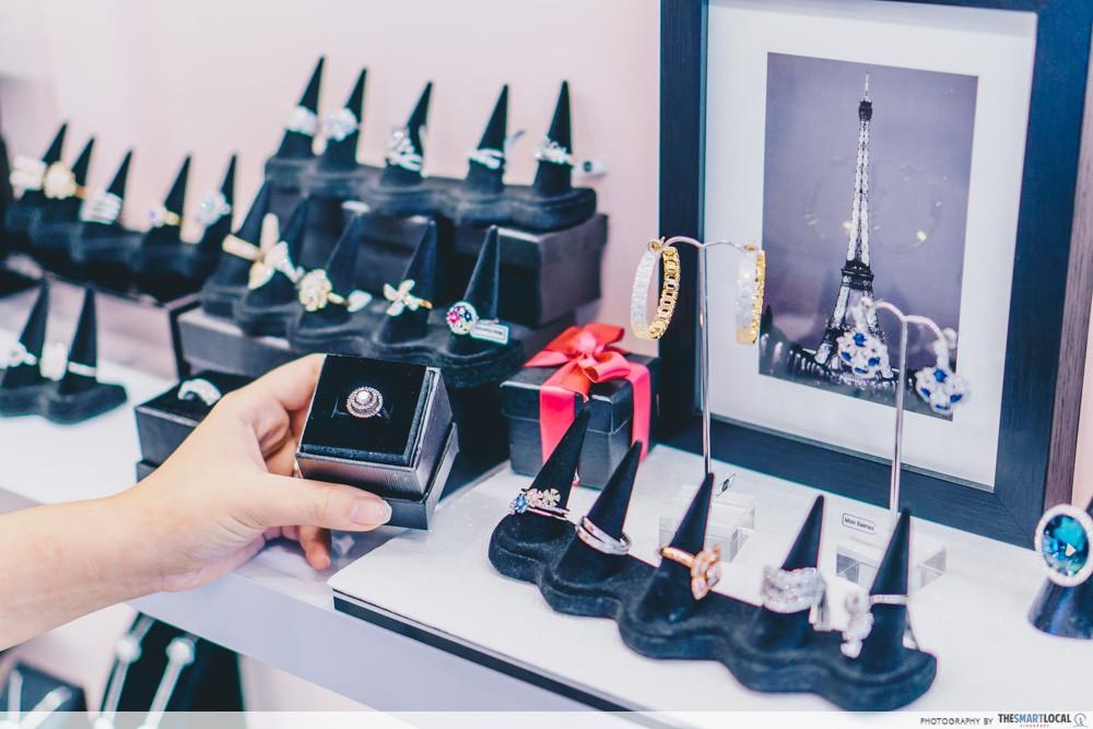 parisian audrey collection