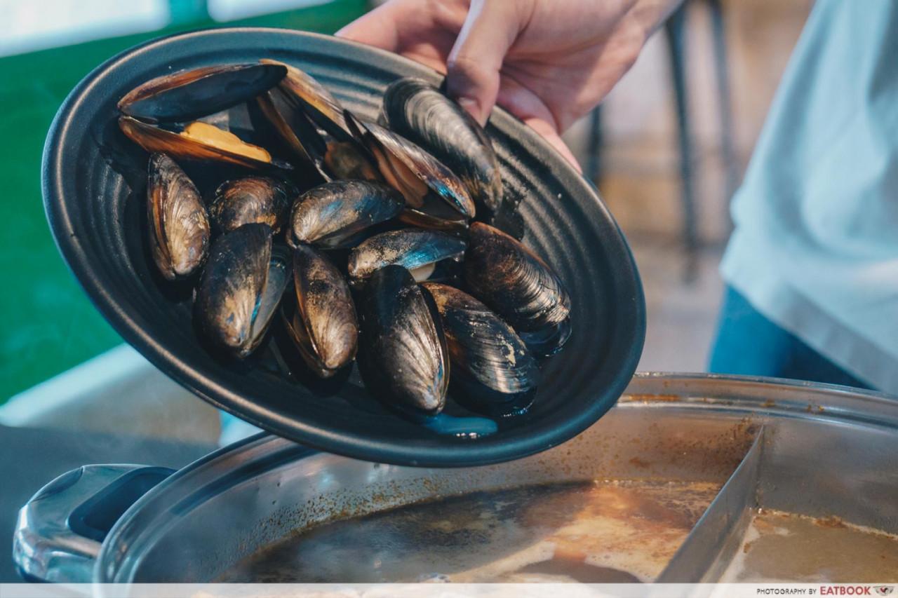 kazan steamboat mussels