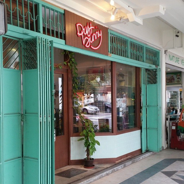 Vintage clothing stores in Singapore - Dustbunny Vintage
