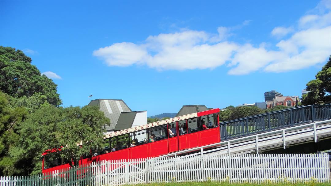 wellington red cable car