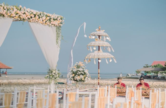 Sadara Resort beach wedding setup