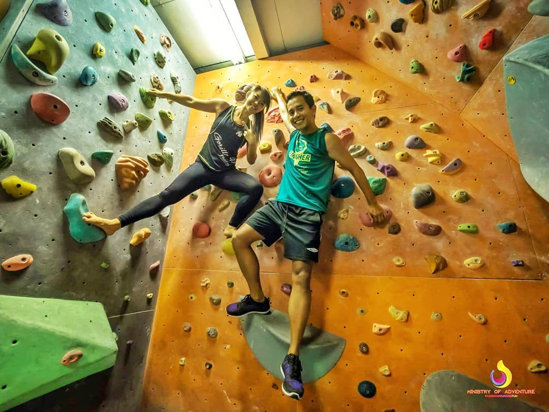 rock climbing bouldering gym singapore beginners pro ground up cafe