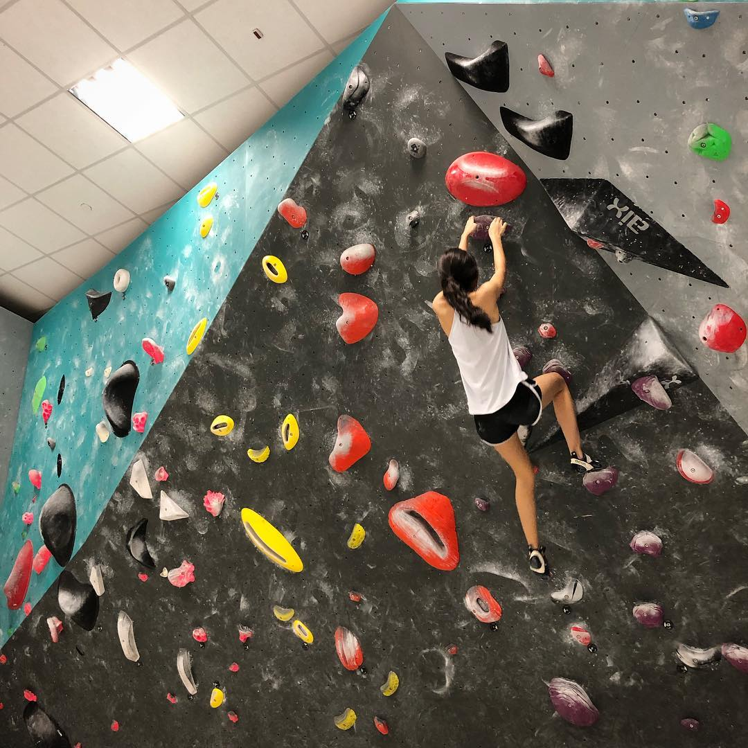 rock climbing bouldering gym singapore beginners pro boulder world yoga classes