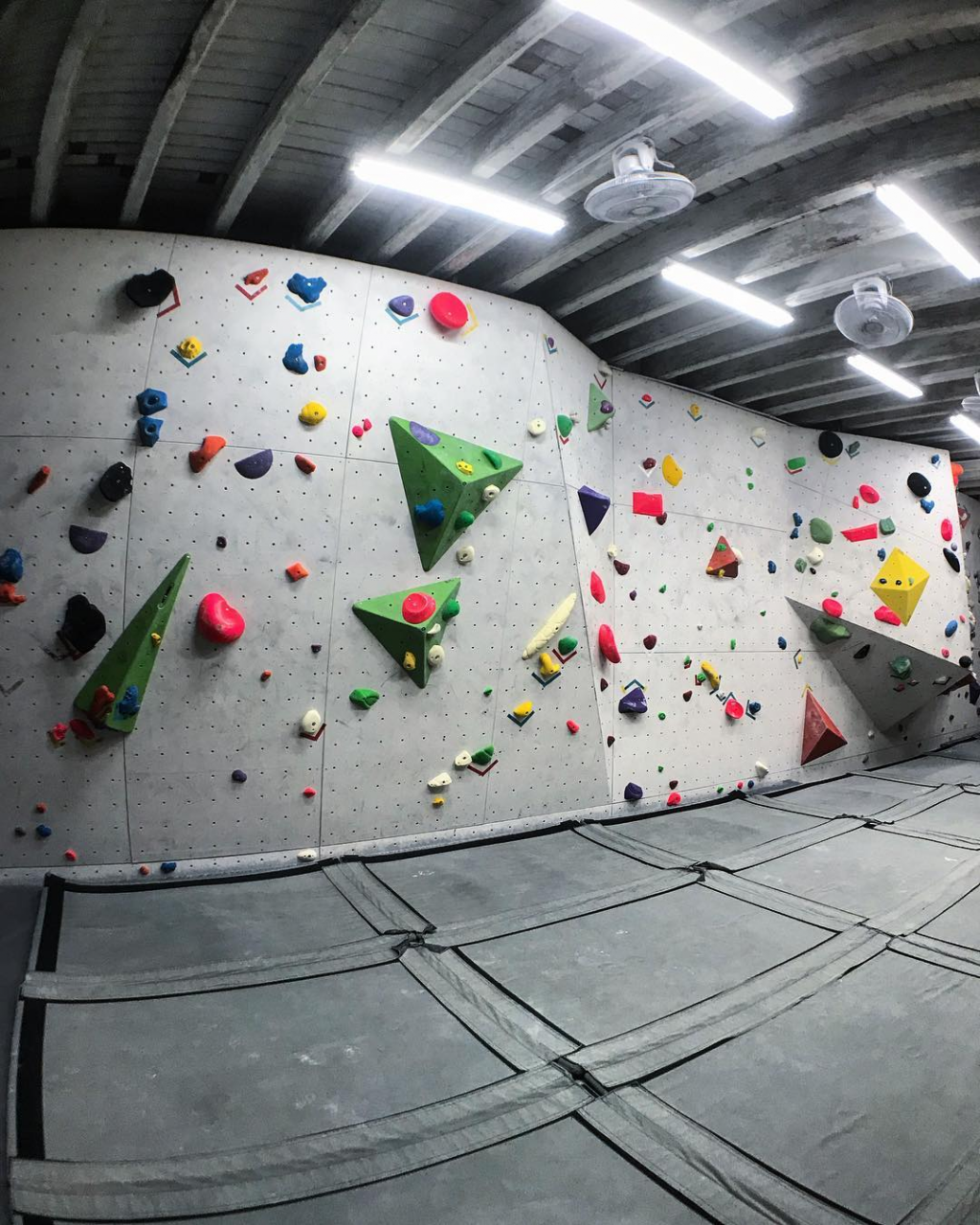rock climbing bouldering gym singapore beginners pro kinetics climbing gym