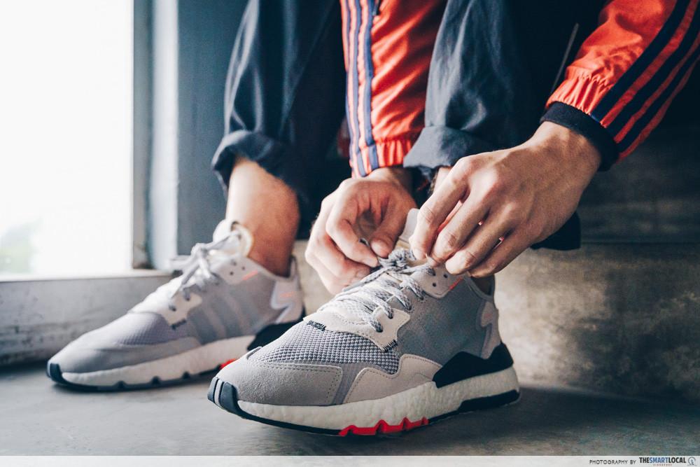 shoe styling tips tying shoelaces