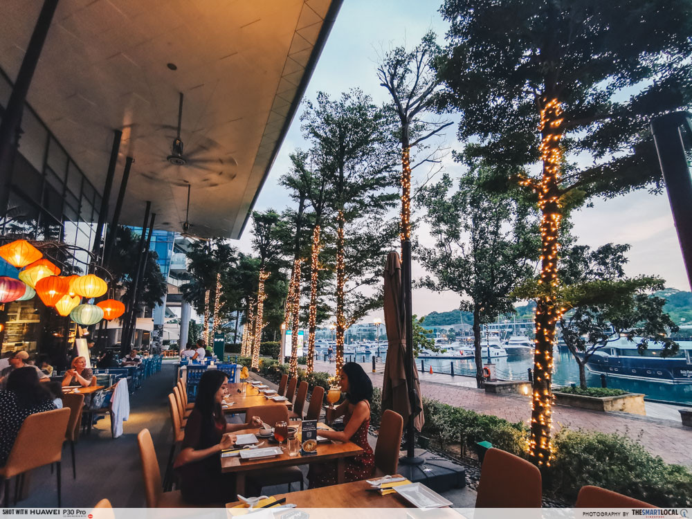 waterfront cafes singapore scenic alfresco dining blue lotus chinese eating house