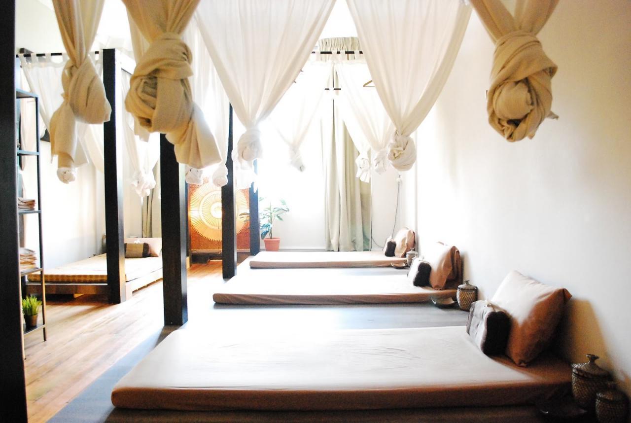 Thai Massage Parlours in Singapore - Sabaai Sabaai ThaiMassage
