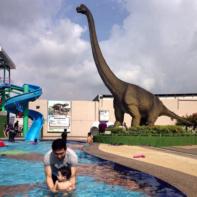 kids activities children things to do johor bahru jb dinosaur alive water theme