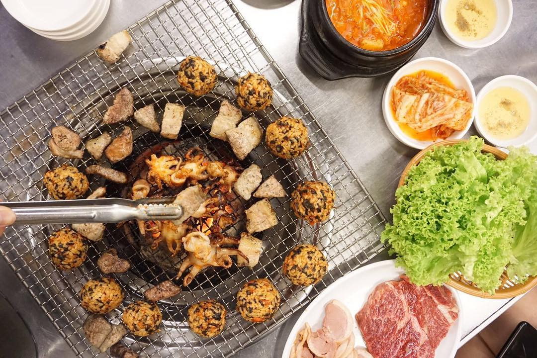 Sae ma Eul kbbq has round tables for small groups