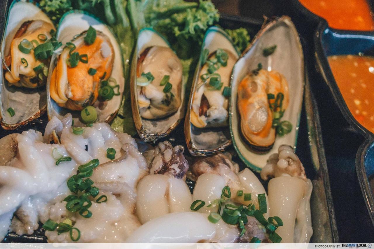 rocku yakiniku green mussels and octopus