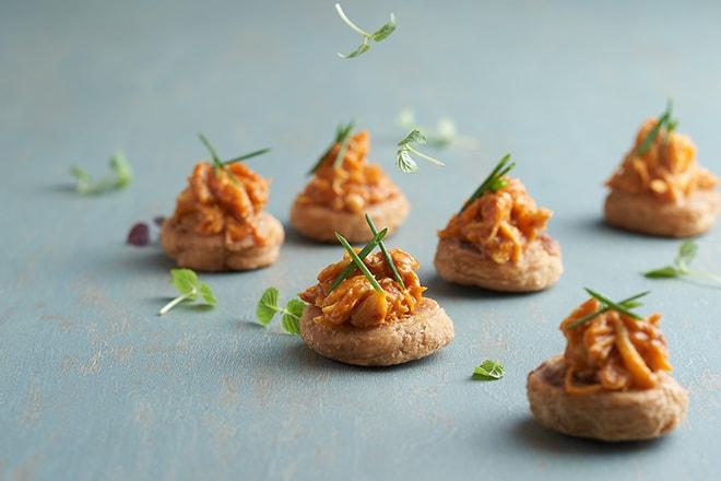 tung lok heen chilli crab with sakura ebi spring onion pancake
