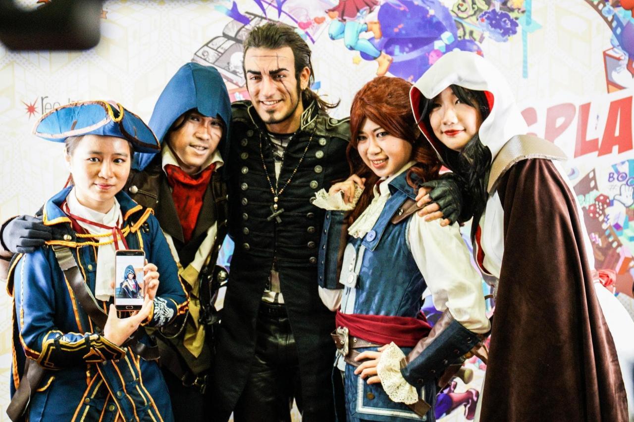leon chiro and cosplayers