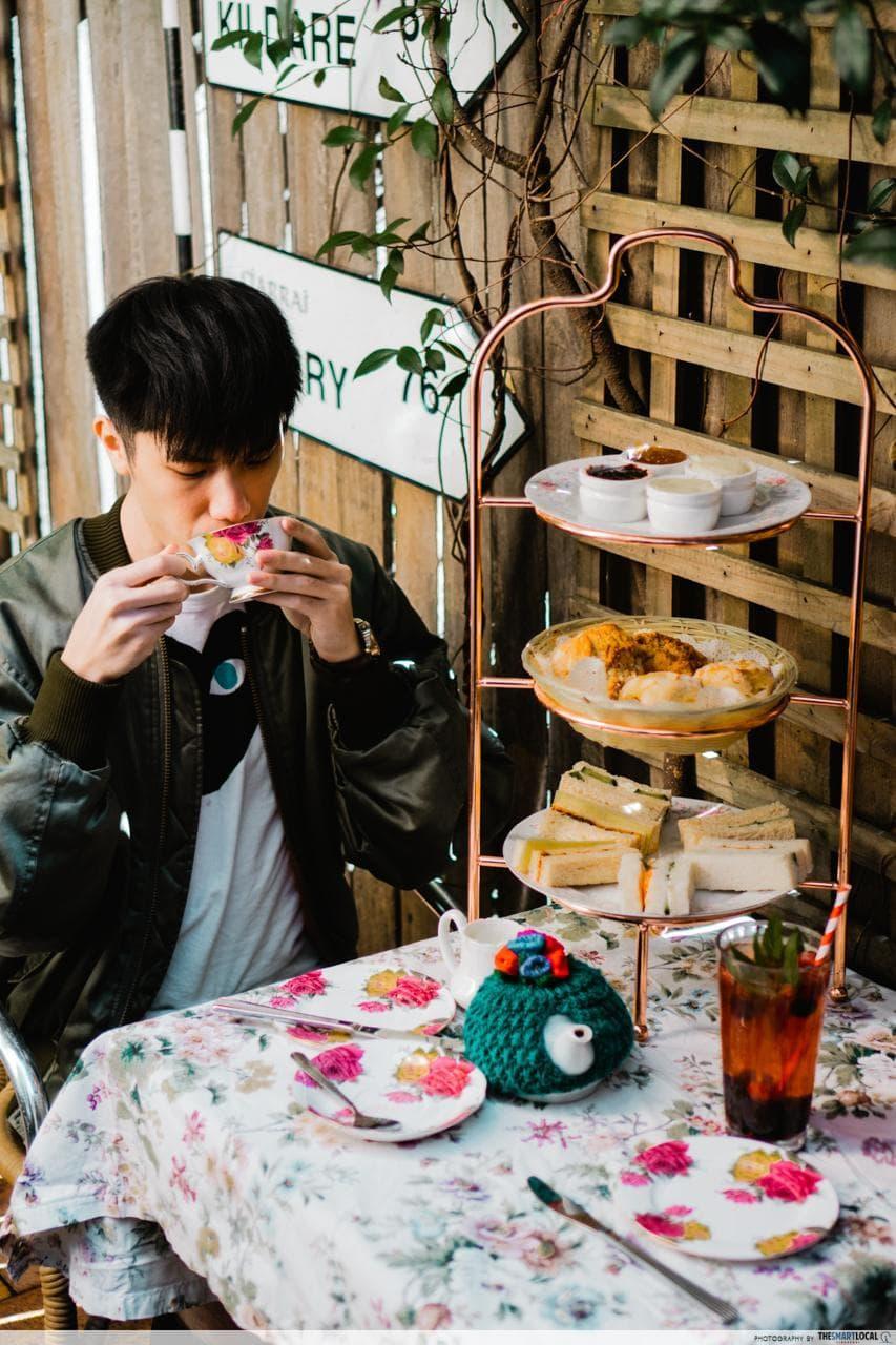 the tea cosy scones and tea
