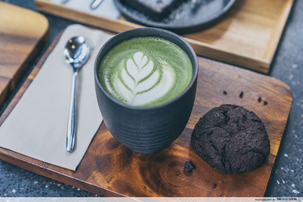 yellow submarine matcha latte & cookie