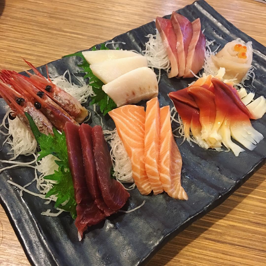 free flow salmon sashimi Otaru Suisan