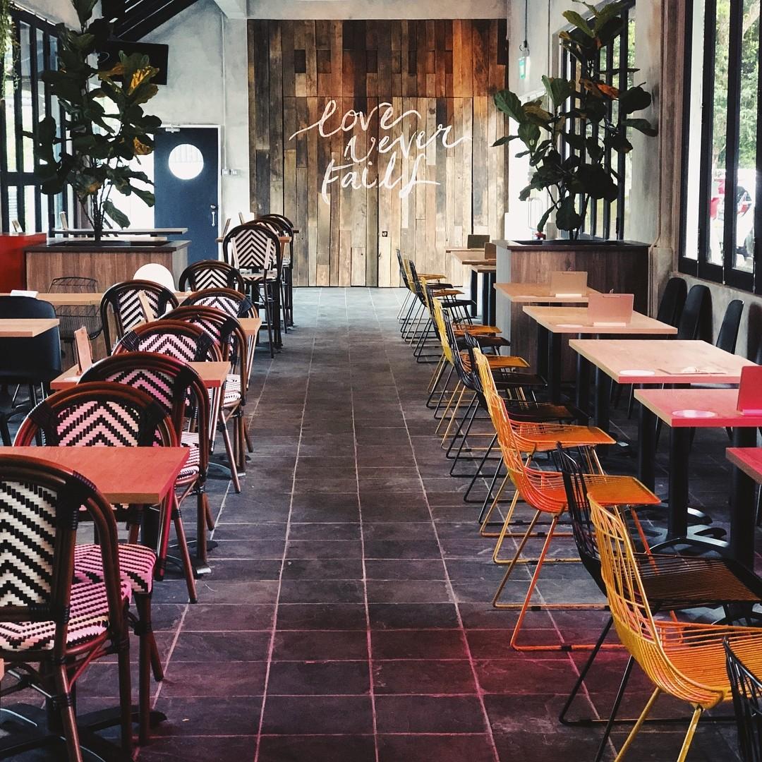 Five &2 - social enterprise cafes