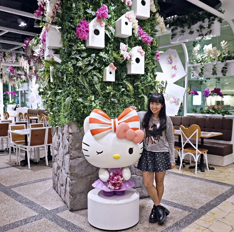 Hello Kitty Orchid Garden Cafe Singapore