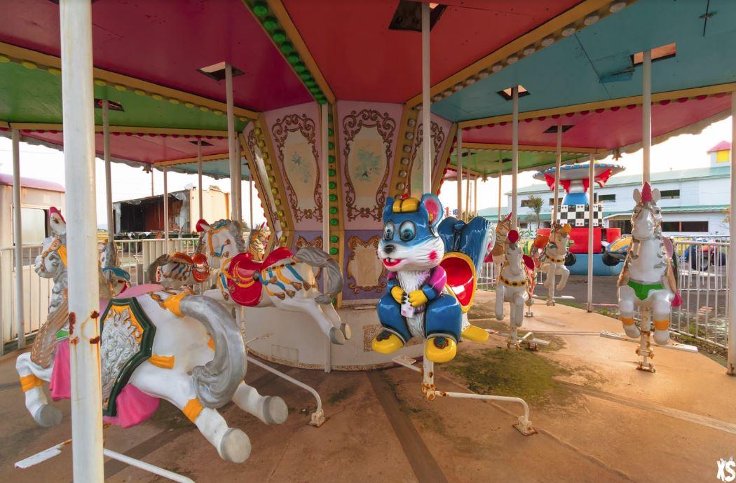 wonderland amusement park carousel
