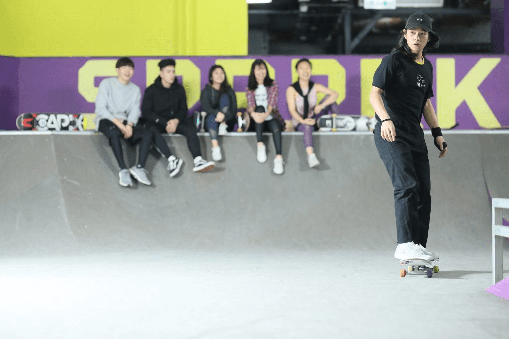 indoor scoot and skate park