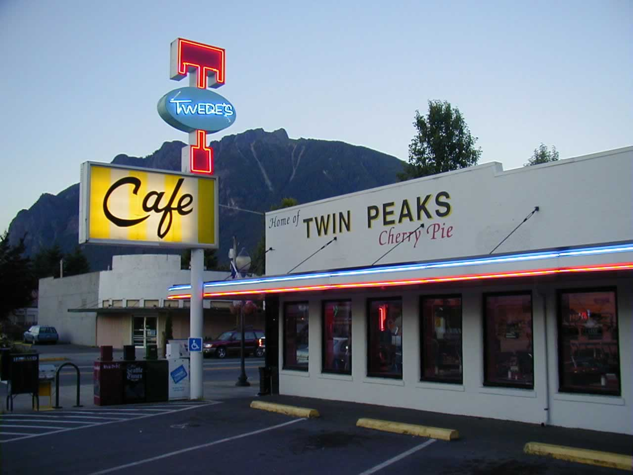 Seattle travel guide SIA - twedes cafe twin peaks double r