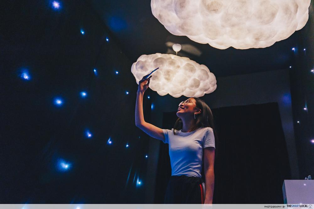 OPPO Pop up Experience - dream machine night shot cloud