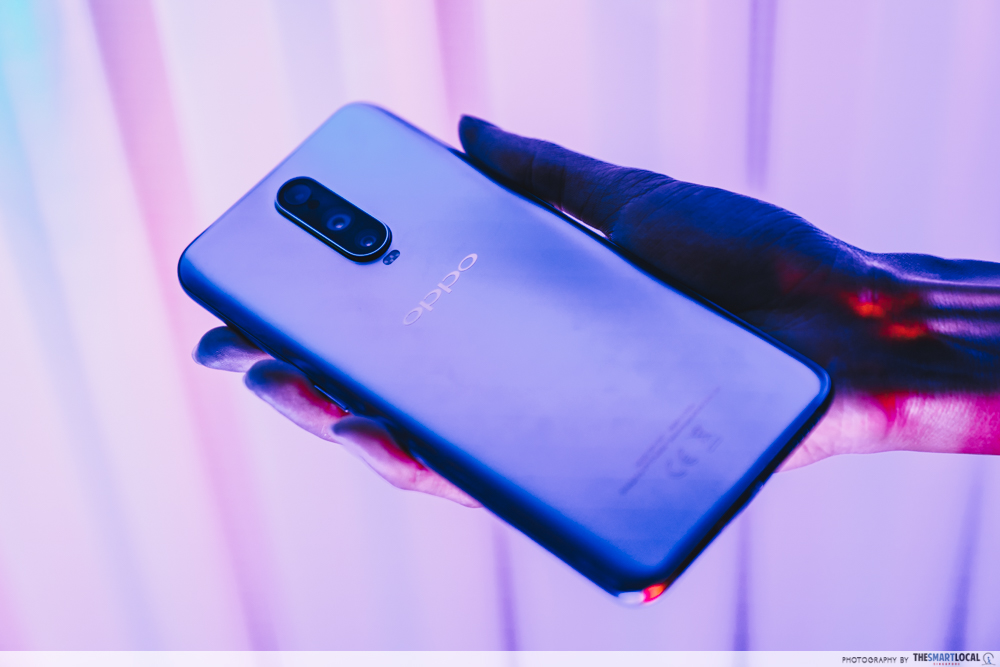 OPPO Pop up Experience - r17 pro galaxy