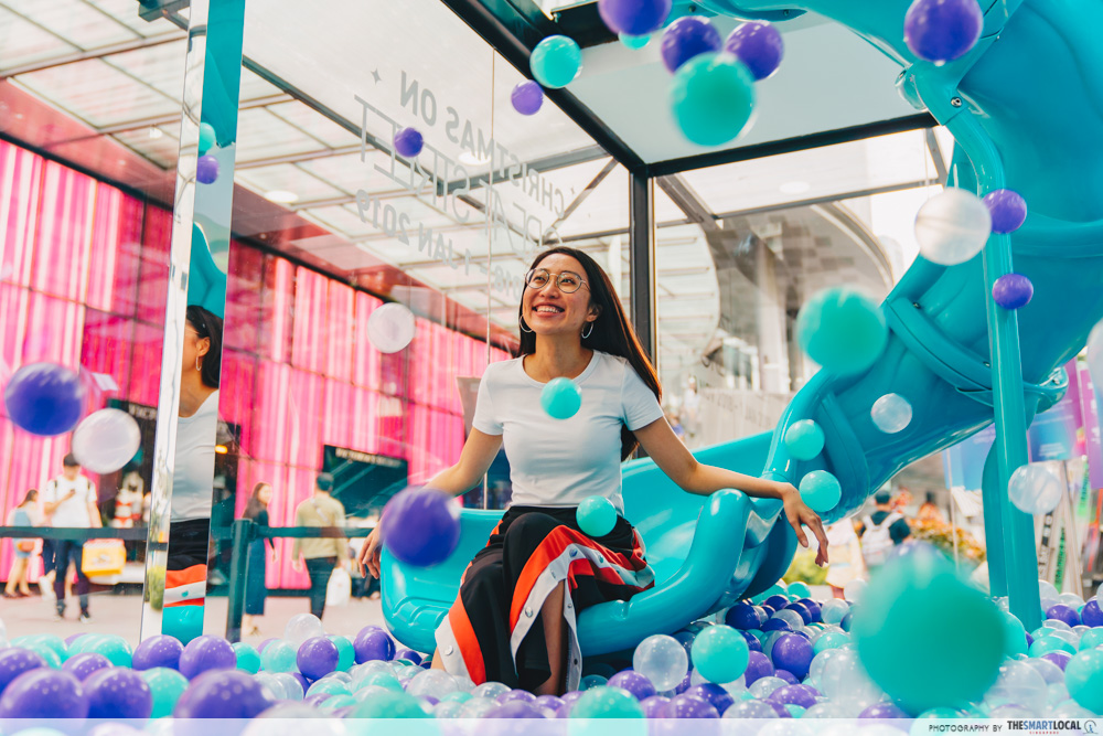 OPPO Pop up Experience - social playground ball bit slide holo