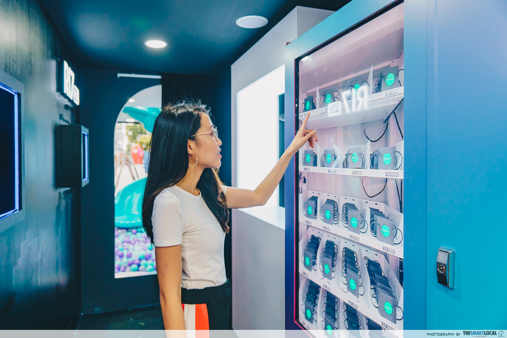 OPPO Pop up Experience - unlock your wonders vending machine