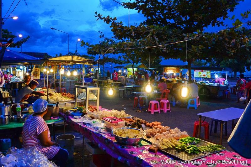 nathon night food market