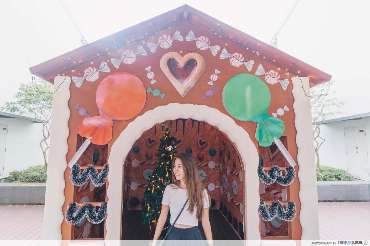 HillV2 - Christmas Candy House