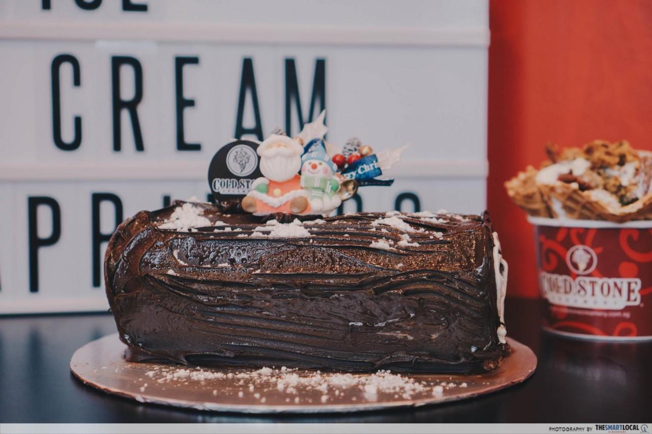 HillV2 - Christmas log cake