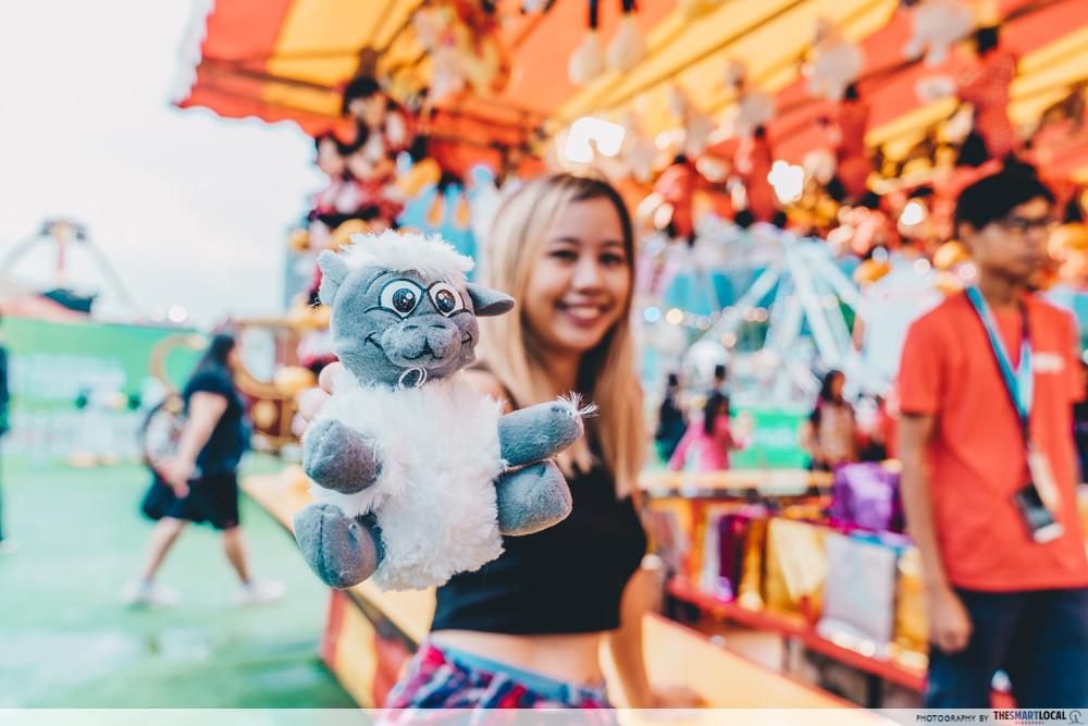 marina bay carnival game prize