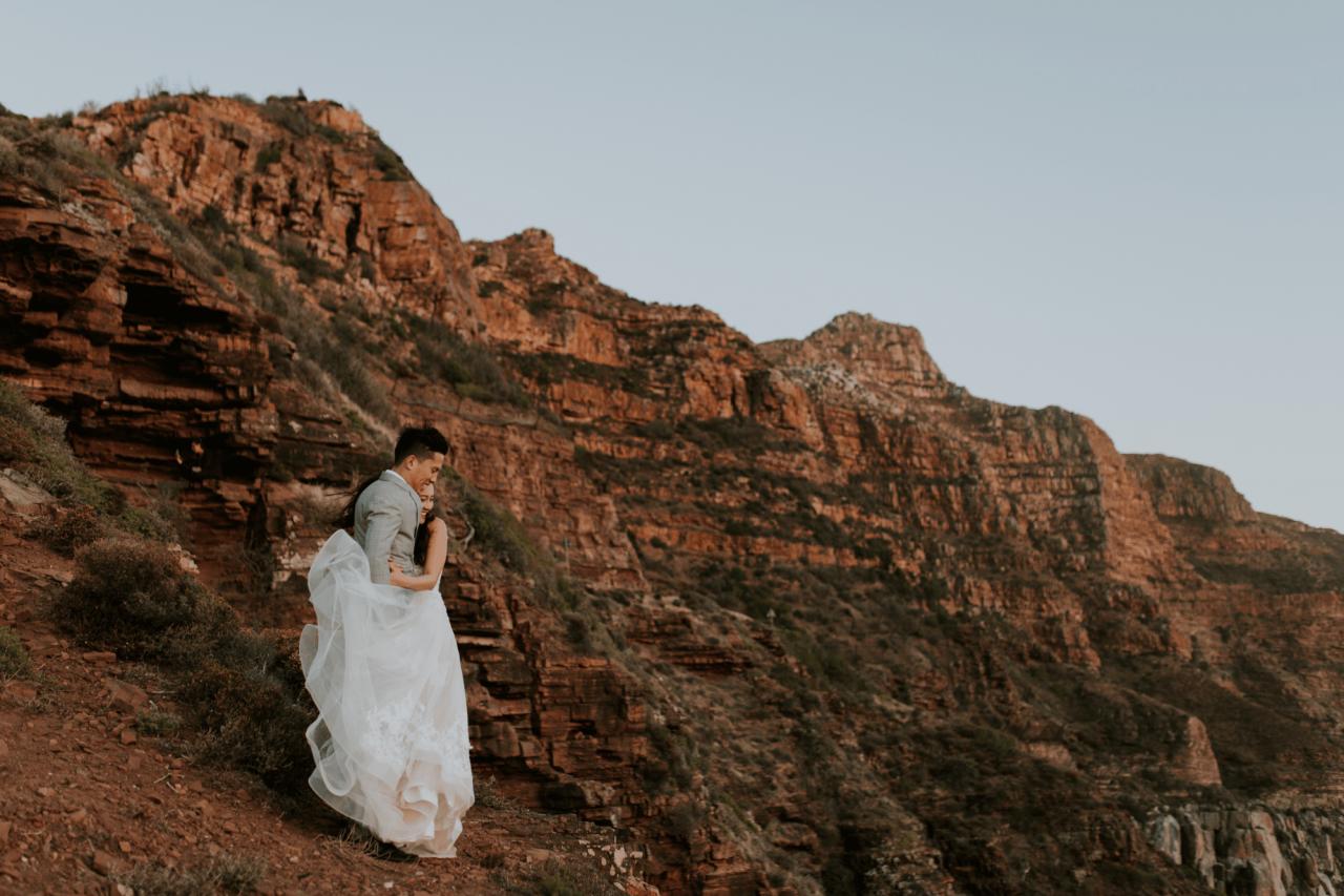 chapman's peak drive cliffs