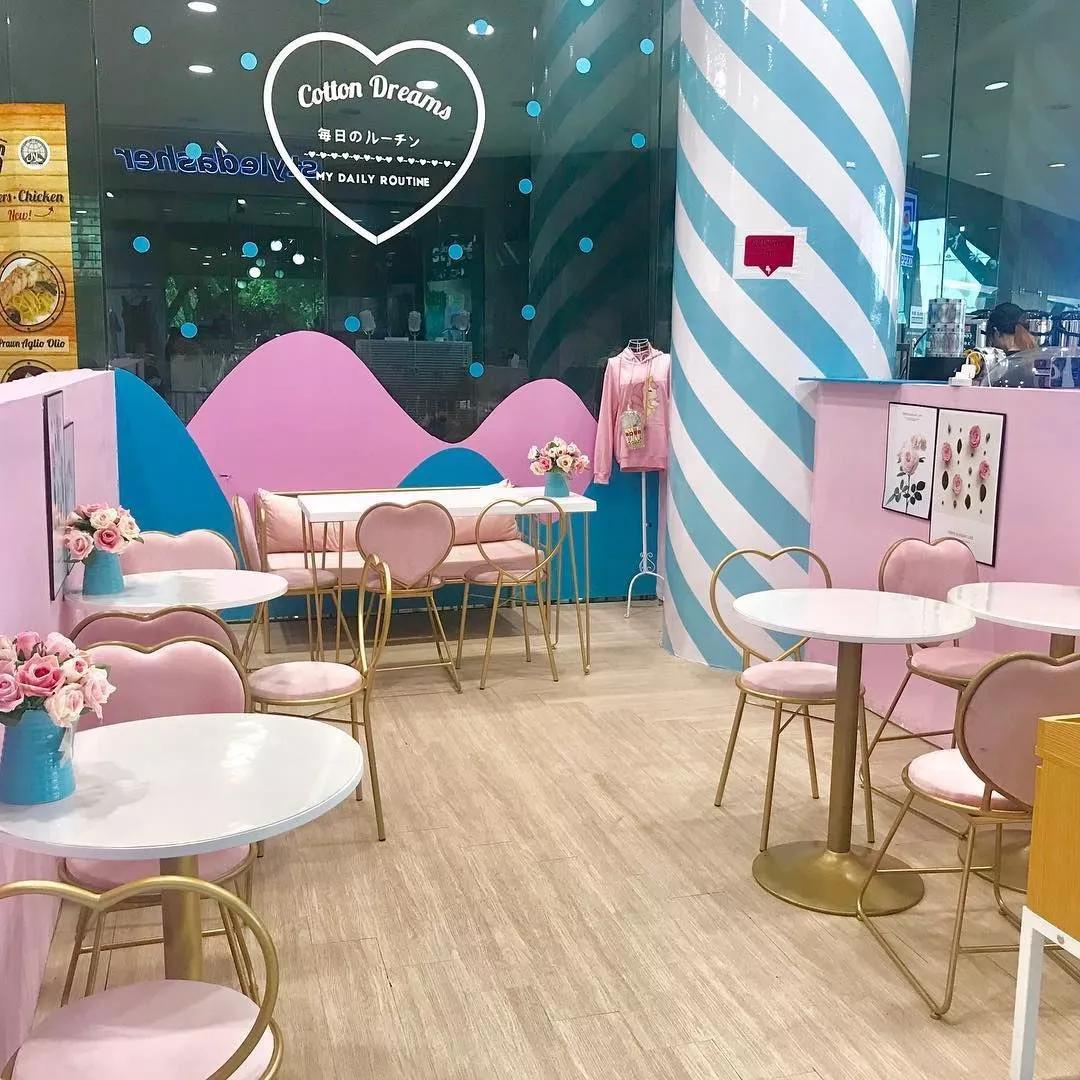 cotton dreams singapore cafe interiror candy cane decoration