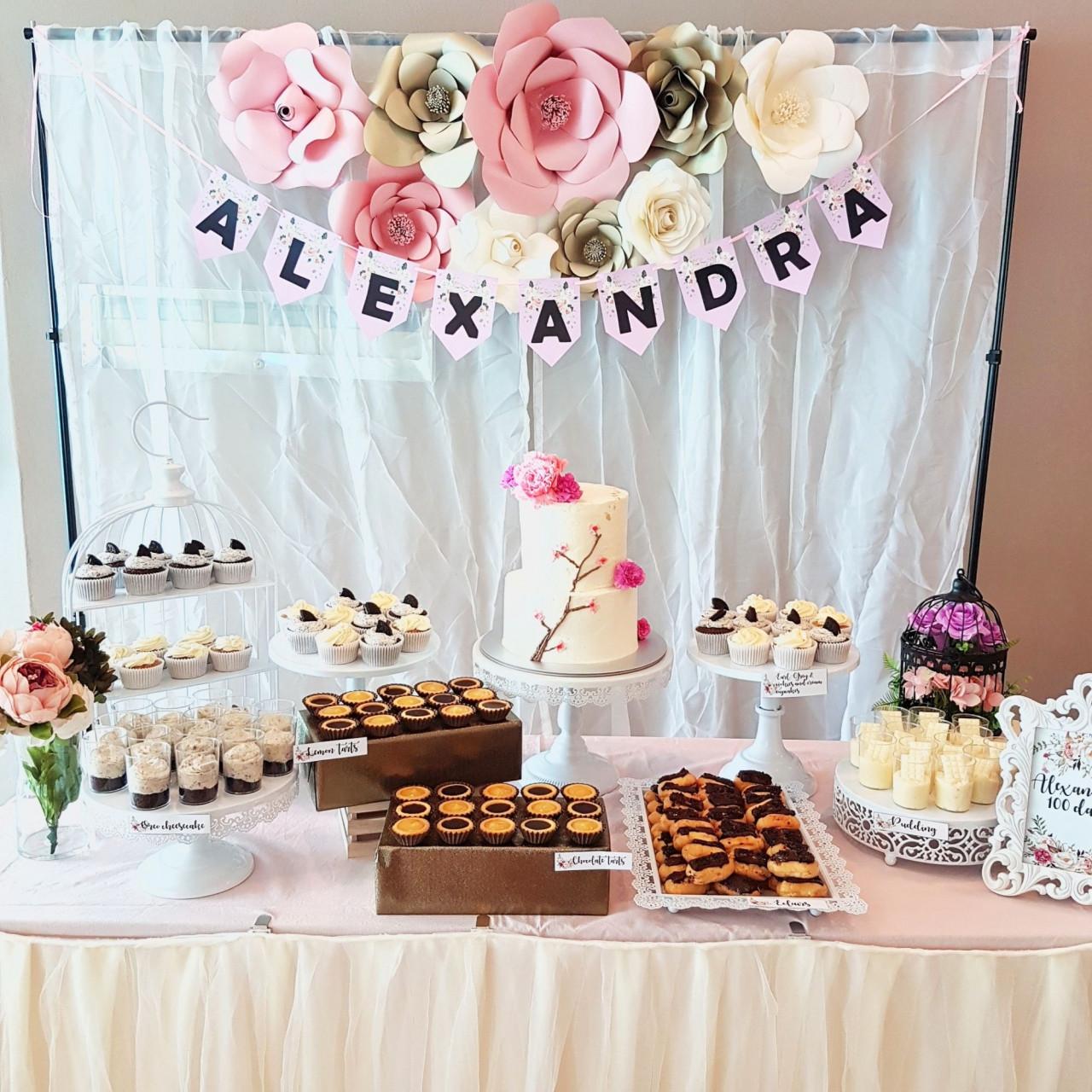 flower dessert table