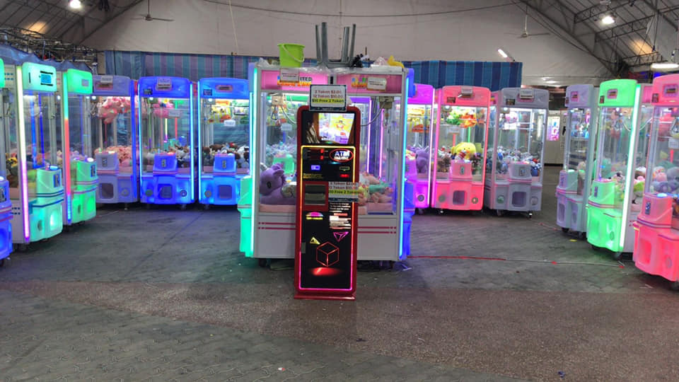 Claw Machines in Singapore, Play United