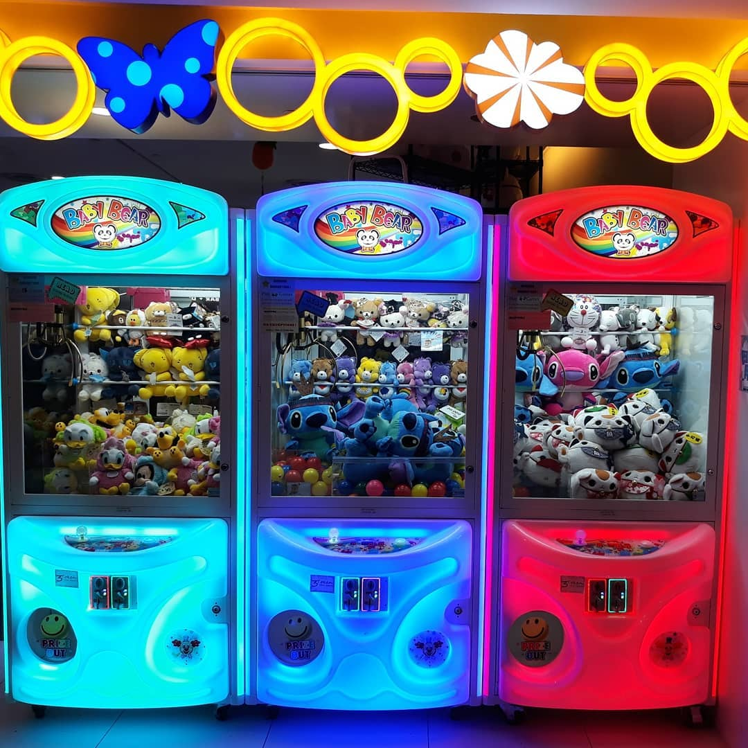 Claw Machines in Singapore, Jakarta Radiant World