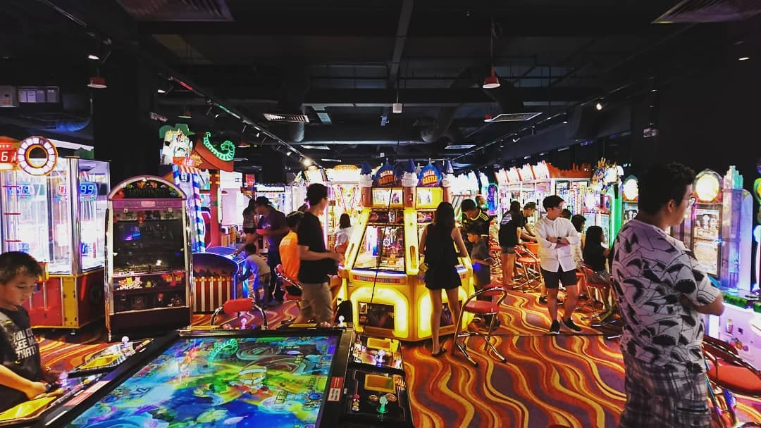 Claw Machines in Singapore, Fat Cat Arcade